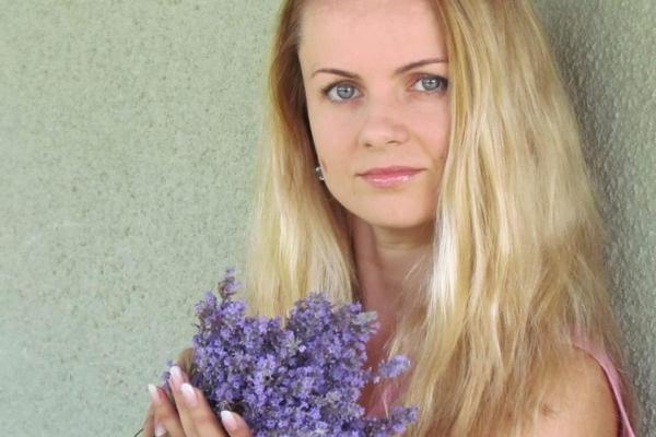 Львів'янка Юлія Главко заробляє на ялинкових прикрасах (Фото)