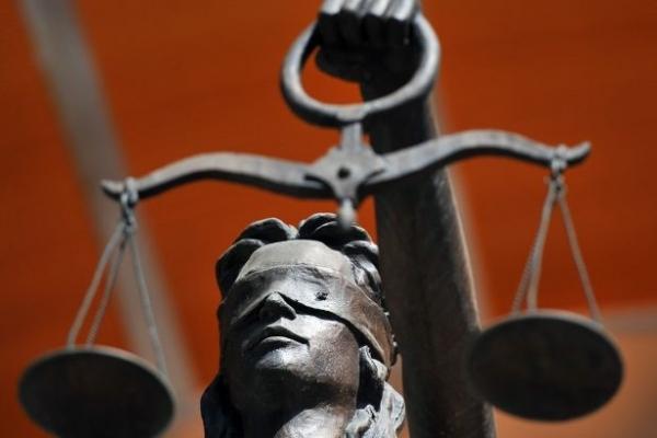 У Львові суд залишив на свободі групу викладачів-хабарників