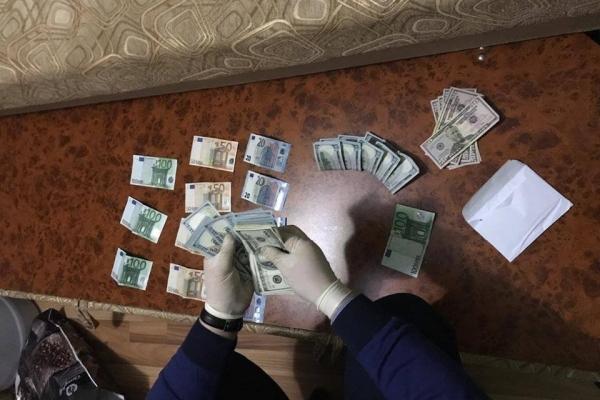 На Львівщині відсторонили від роботи суддю, якого підозрюють у хабарництві