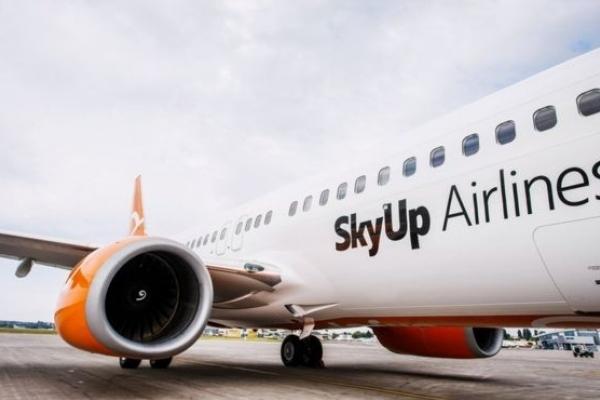 Українська авіакомпанія запускає рейси зі Львова до Одеси