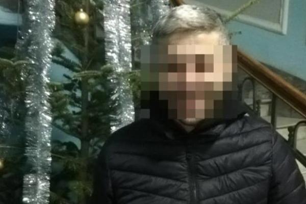 Вдарив по голові і вирвав сумочку: у центрі Львова іноземець пограбував дівчину