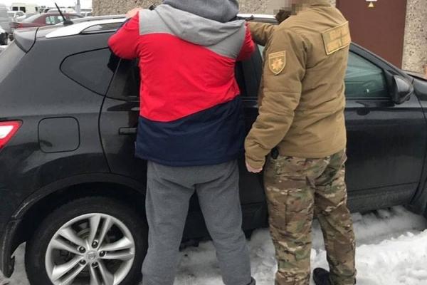 Під час затримання стрийський комунальник намагався втекти (Фото)