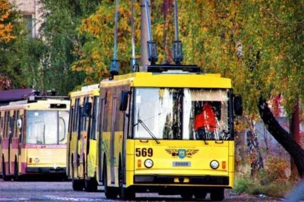 Раптова смерть пасажира у тролейбусі: проводиться розслідування