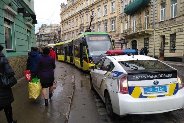 У львівському трамваї постраждав пасажир