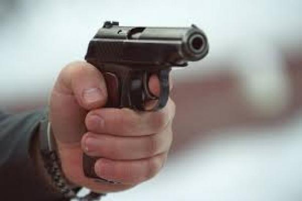 У центрі Львова невідомий стріляв у вуличних музикантів: постраждав 19-річний хлопець
