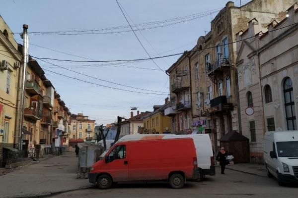У Дрогобичі пропонують зробити спірну вулицю пішохідною