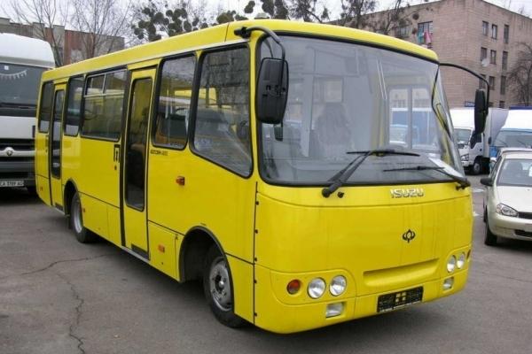 На Львівщині автобус придавив 51-річного чоловіка