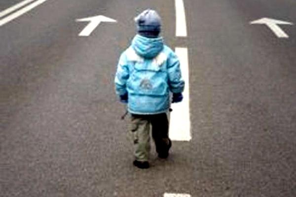 У Львові під час ДТП автомобіль збив маленьку дитину