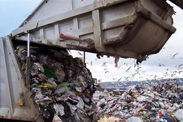 У закарпатця, засипаного сміттям на Львівщині, залишилось 14 дітей