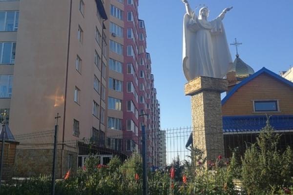 Мешканці житлового комплексу по вул. Антонича-Майданна у Львові спростовують інформацію про свої будинки