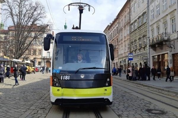 При впровадженні е-квитка у Львові перестануть діяти пільгові посвідчення (Фото)