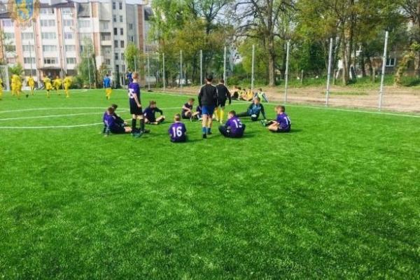 У Червонограді відкрили одразу два футбольні поля (Фото)