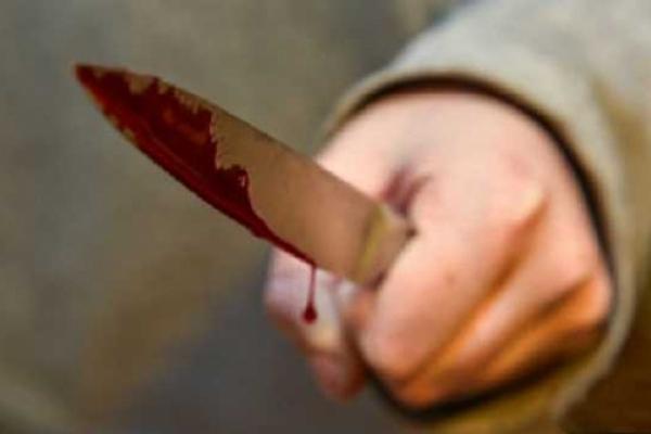 На Львівщині жінка порізала свого вітчима