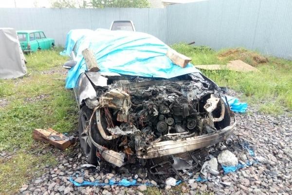 На Львівщині згорів Mercedes