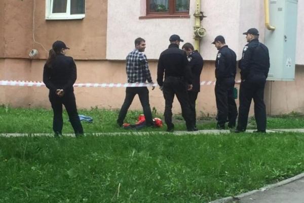 У Львові загинула жінка, впавши з багатоповерхівки