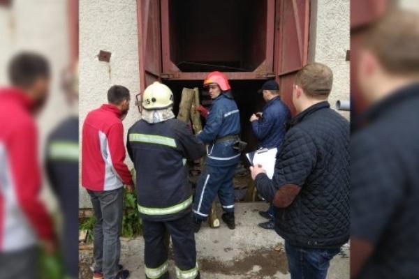 На Львівщини ліфтом розчавило двох людей