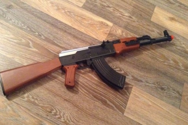 У Львові викрили продавця зброї