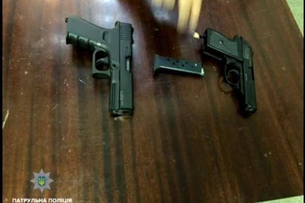 Стрілянина у центрі Львова: патрульні затримали 25-річного львів'янина