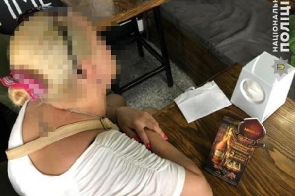 Горе-матір зі Львова, яка хотіла продати доньку у сексуальне рабство, може вийти з СІЗО під заставу