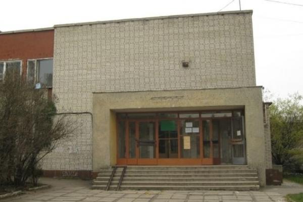 «Укрзалізниця» відмовляється передавати приміщення львівській школі