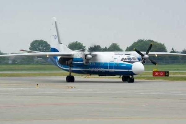 У старий термінал аеропорту «Львів» прибув перший літак (Фото)