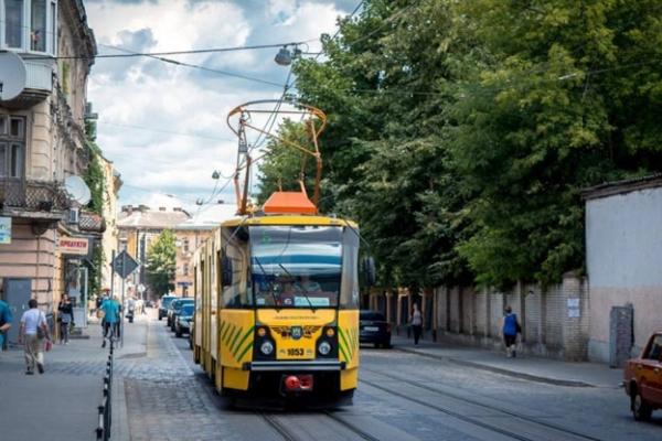 У Львові транспорт ходитиме довше