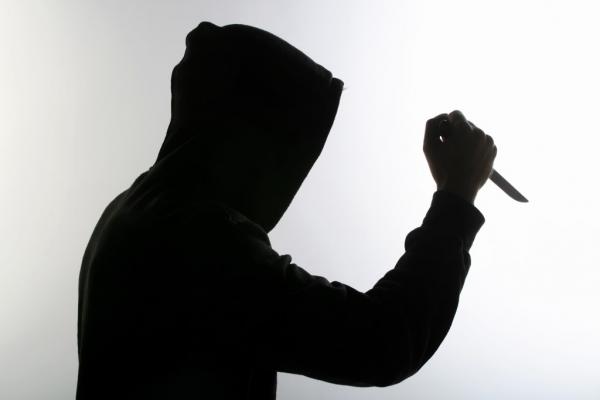 На Львівщині чоловіка під час сварки вдарили ножем у голову