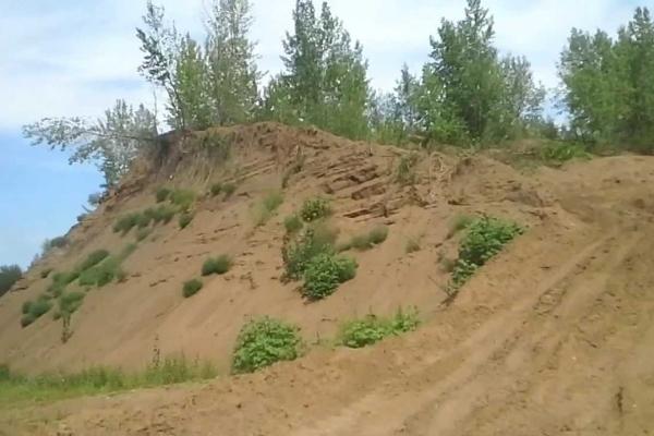 На Львівщині під купою піску загинула 7-річна дитина
