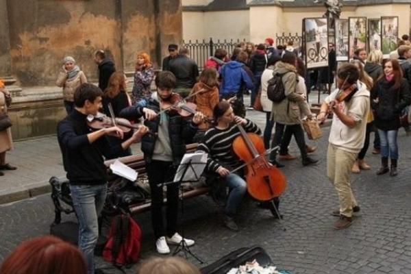 У Львові затвердили порядок організації виступів вуличних музикантів