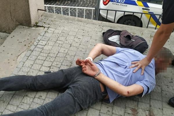 У центрі Львова 48-річний чоловік підрізав перехожого (Фото)