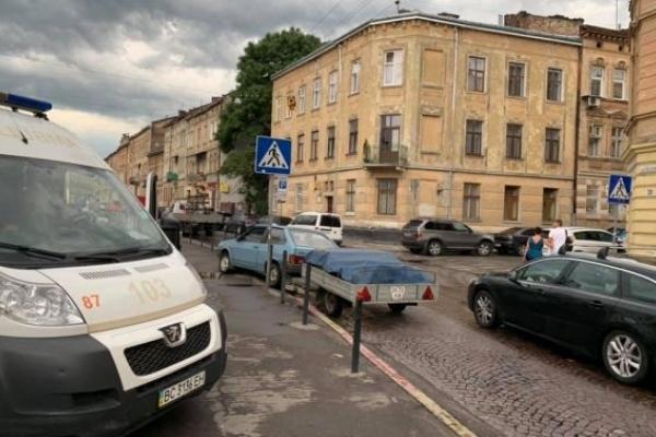 У Львові водій помер за кермом автомобіля