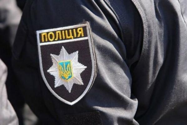 У Львові чоловіка вдарили пляшкою по голові та пограбували