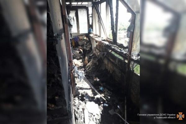 У Червонограді горіла квартира, в якій була жінка і четверо дітей