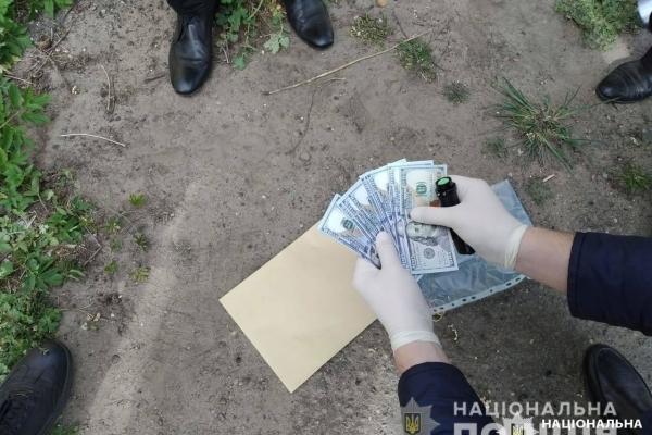 На Львівщині на хабарі у 5 тисяч доларів викрили голову сільради