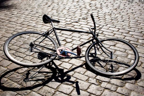У Львові просять заборонити бруківку на вулицях, де немає велодоріжок