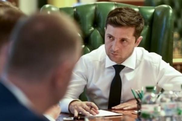 Зеленський звільнив 18 голів РДА у двох областях