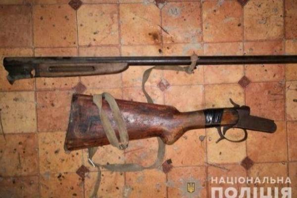 На Львівщині знезброїли селянина, який погрожував сусідці