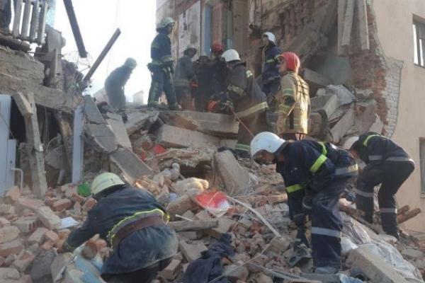 Очевидці розповіли про обвал будинку на Львівщині (Відео)