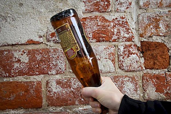 На Львівщині заарештували підозрюваного у вбивстві пляшкою