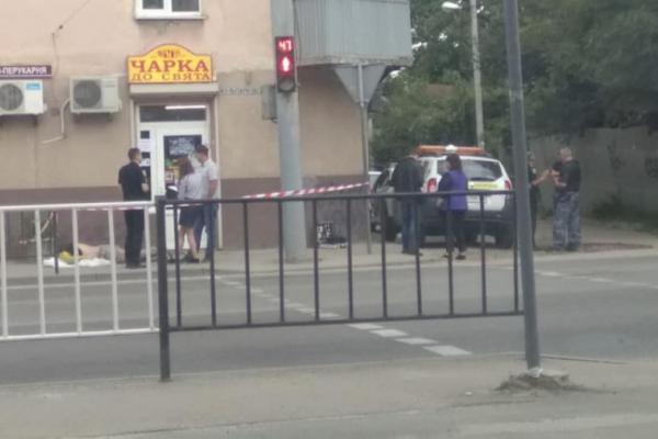 У Львові чоловік випив вкрадену горілку і помер біля магазину ще до приїзду поліції