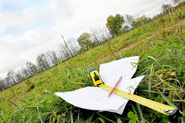 Золочівська прокуратура виявила бізнесмена, який самозахопив земельну ділянку