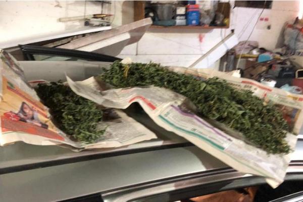 У львів'янина в гаражі виявили зброю та наркотики