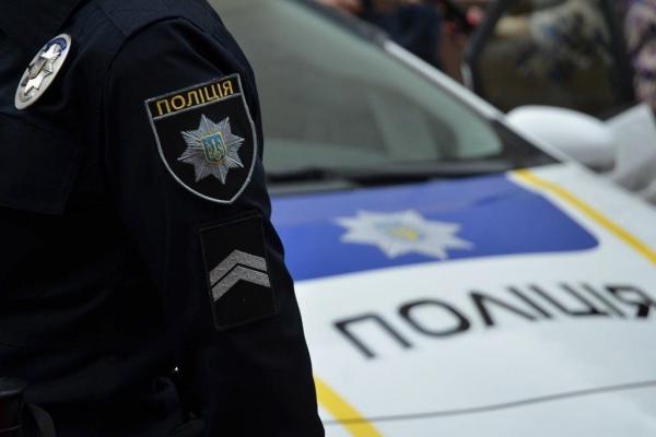 Поліція Львівщини розшукує водія, що вбив людину