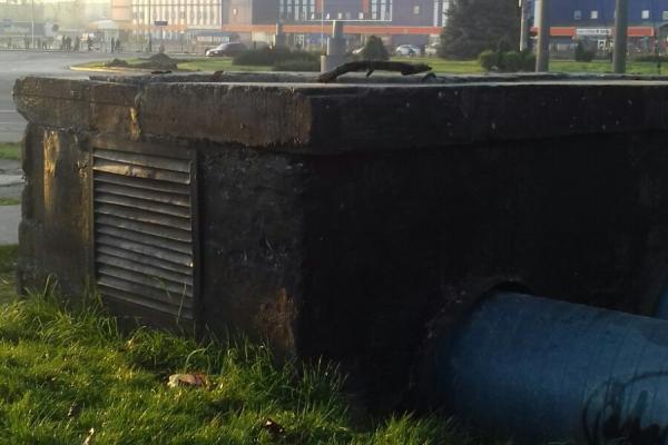 У Львів чоловік впав в каналізацію: витягнули з глибини 4 м