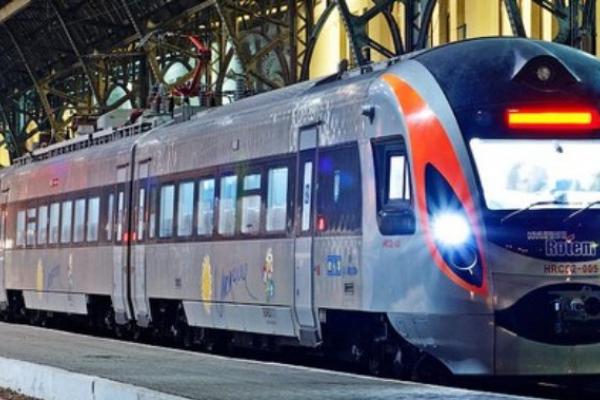 Популярний поїзд на Перемишль відправлятиметься зі Львова щодня. Графік руху
