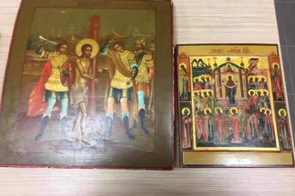 У Львові затримали контрабандистів з партією старовинних ікон