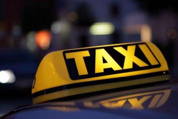 У Львові таксист відмовився везти жінку з дитиною, хоча йому дали автокрісло (Відео)