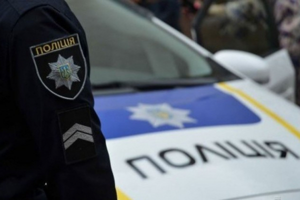 Помер на місці: на Львівщині молодого чоловіка вбило на роботі