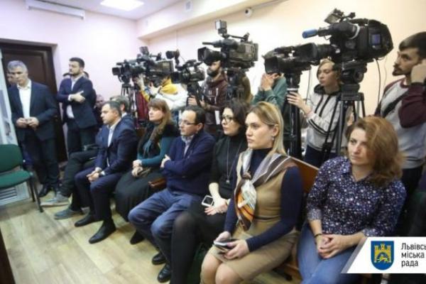 Колишні й чинний нардепи хочуть взяти на поруки міського голову Львова