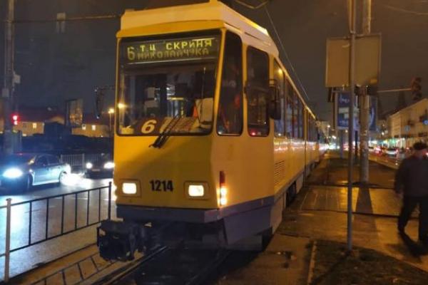У Львові трамвай збив жінку